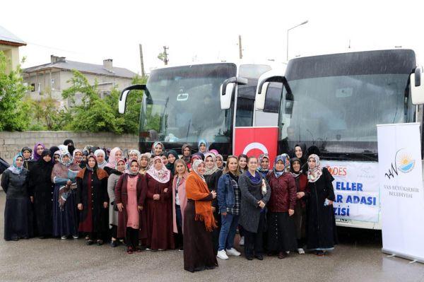 Anneler 'Umutlu Eller Projesi' ile Mavi Tura çıktılar