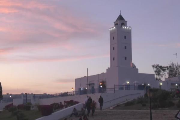 Tunuslular ilk teravihte Filistinliler'i unutmadı