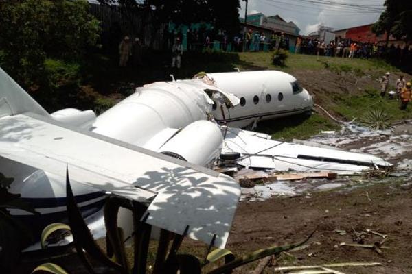 Honduras`ta özel uçak düştü