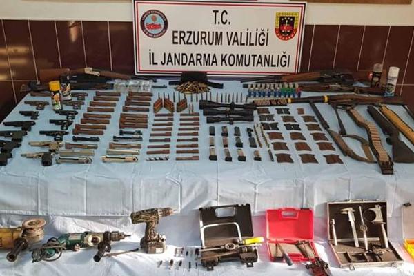 Erzurum'da silah ve mühimmat ele geçirildi