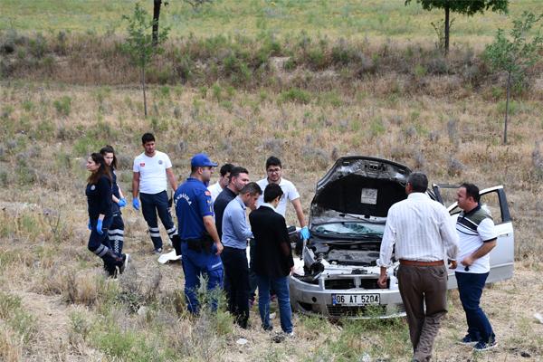 Otomobil şarampole devrildi: 2 ölü, 3 yaralı