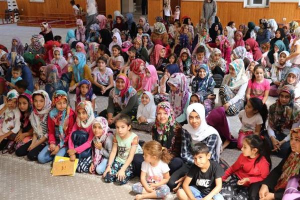 'Çocuklarımız camilerin çiçeğidir'