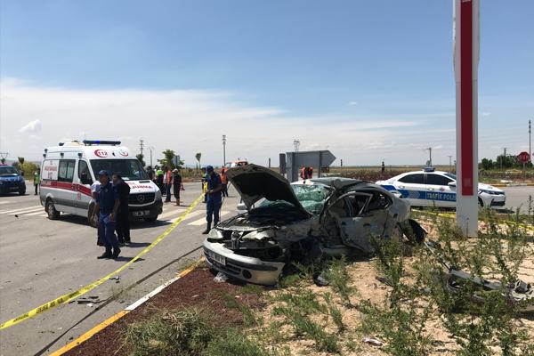 Konya`da iki otomobil çarpıştı: 1 ölü, 2 yaralı