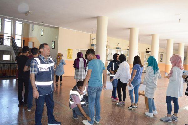 Bitlis`te YKS heyecanı başladı