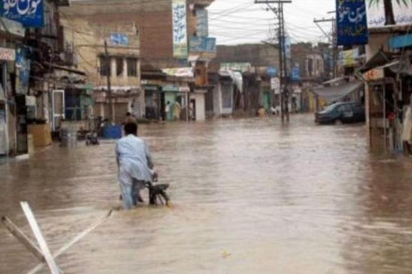 Hindistan'da muson yağmurları: 66 ölü