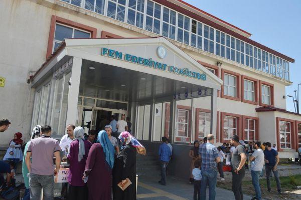 Bitlis`te ilk kez yapılan DGS`de onlarca öğrenci mağdur oldu