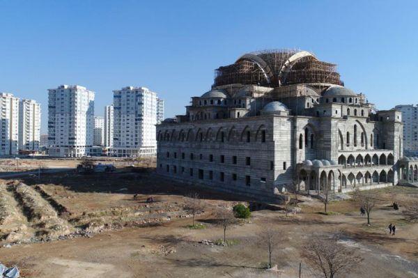 `Türkiye`nin ikinci büyük camisini inşa ediyoruz`