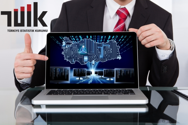 Türkiye'de internet hayata damgasını vuruyor