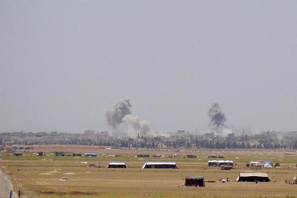 Baas rejimi İdlib'e yoğun hava saldırıları düzenliyor