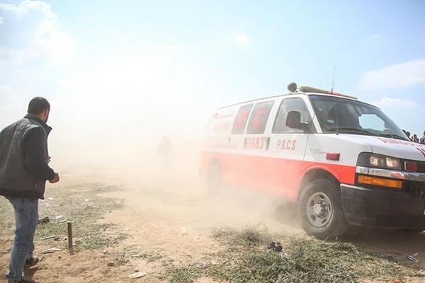 İşgalci israil Gazze sınırında iki Filistinliyi şehit etti