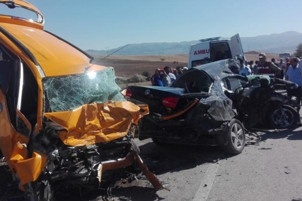 Korkunç kaza! Feci şekilde can verdiler