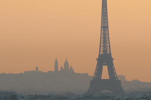 Paris'te 1 yıl yaşamak 183 sigaraya bedel