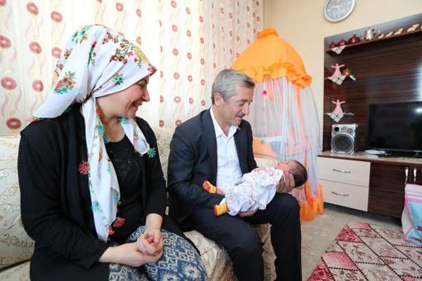 """Belediye Başkanından """"Hoş Geldin Bebek"""" ziyareti"""