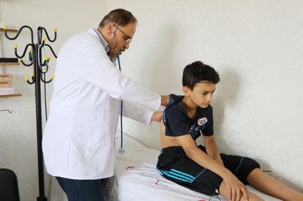 Suriyeli doktor kendini hemşerilerine adadı