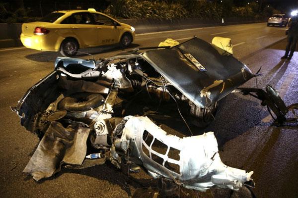 Bayrampaşa`da trafik kazası: 3 yaralı