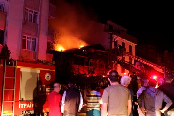 Kocaeli`de Suriyeli ailenin evinde yangın: 2 ölü, 3 yaralı