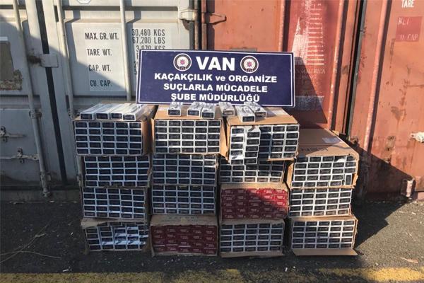 Van`da gümrük kaçağı sigara ele geçirildi