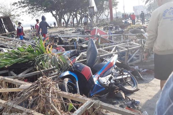 Ölü sayısı bine yaklaştı! Endonezya`da korkunç görüntüler
