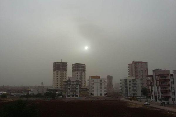 Siverek'i toz bulutu sardı