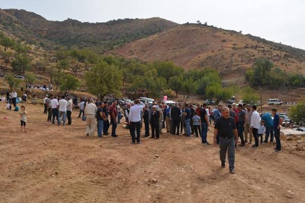 Yüzlerce kişi Şeyh Bubê Türbesi`ni ziyaret etti