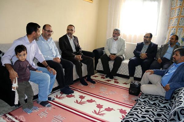 HÜDA PAR Genel Başkanı Sağlam Silvan`da ziyaretlerde bulundu
