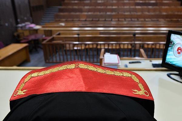 Eski cumhuriyet savcısı Sarıkaya FETÖ'den tutuklandı