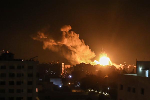 Gazze saldırısında şehit olanların sayısı 4`e yükseldi