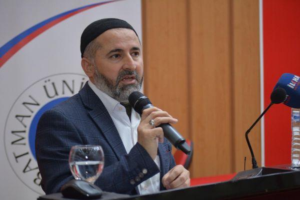 'İnsanlık Hazreti Muhammed'in adaletine dönmek zorunda'