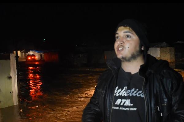 Sağanak sığınmacı kamplarını sular altında bıraktı