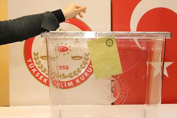 Seçim ve sandık kurullarının görev ve yetkileri belirlendi