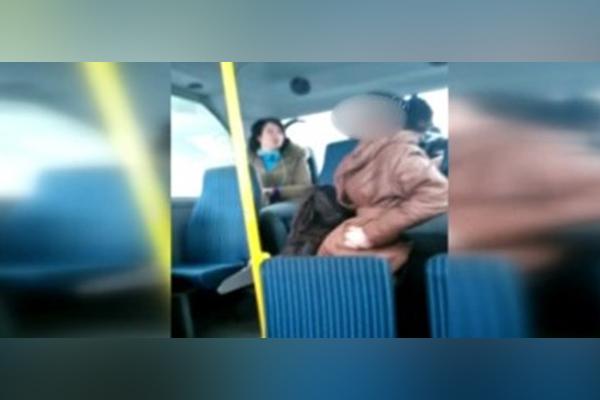 Minibüste başörtülü genç kıza saldırı davasında karar