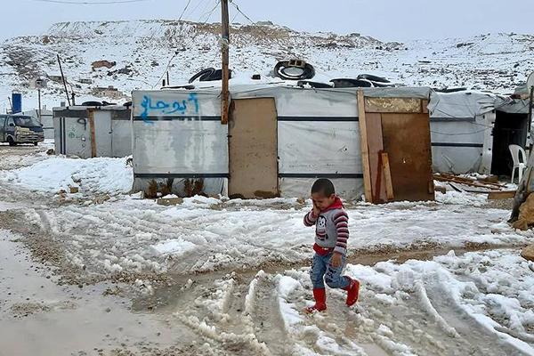 Lübnan'daki Suriyeli mültecilerin kış çilesi