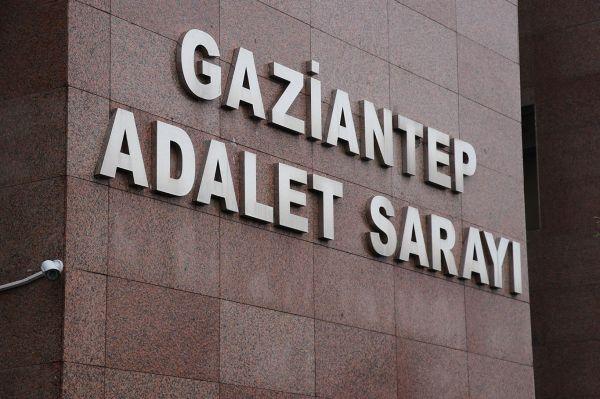 Meslekten ihraç edilen 2 hakim FETÖ'den tutuklandı