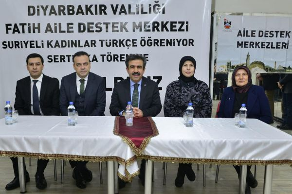 Suriyeli kadınlara sertifika verildi