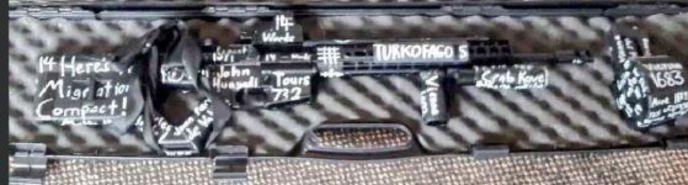 Camilere saldıran teröristlerin silahlarındaki mesajlar!