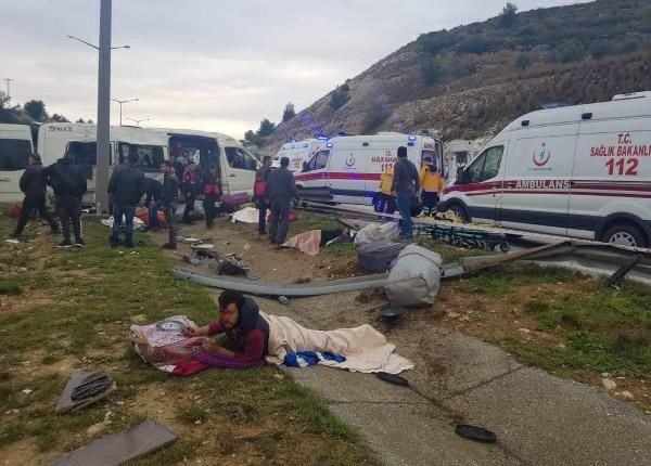 Mersin'de minibüs takla attı: 1 ölü var