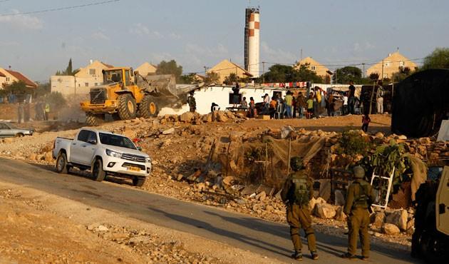 Şehit ve esirlerin evlerini yıkıyorlar…  Yıkılasın israil!