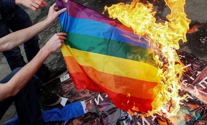 Sosyal Medyada LGBT sapkınlığına Büyük Tepki