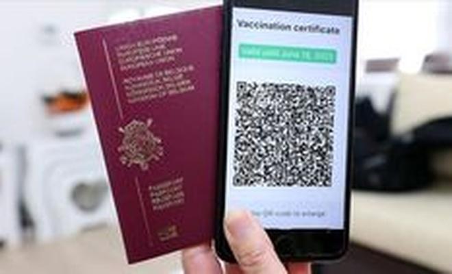 İtalya'da sahte koronavirüs sertifikası satan şebekeye operasyon