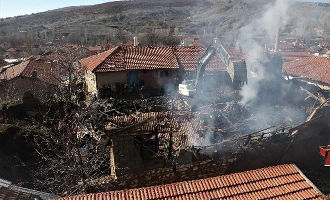 Isparta`da çıkan yangında 2 kişi öldü