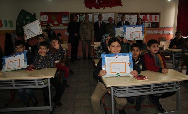 Midyat'ta öğrencilerin yarıyıl tatili sevinci