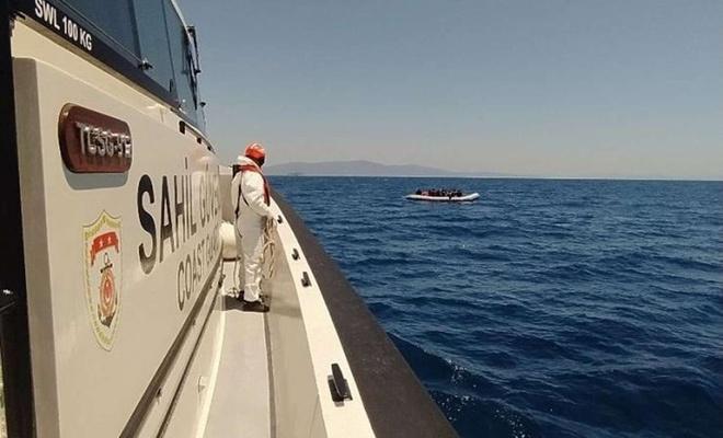 Balıkçı teknesindeki 231 düzensiz göçmen yakalandı