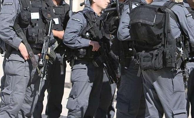 Zionist police arrest Palestinian over alleged stabbing attempt