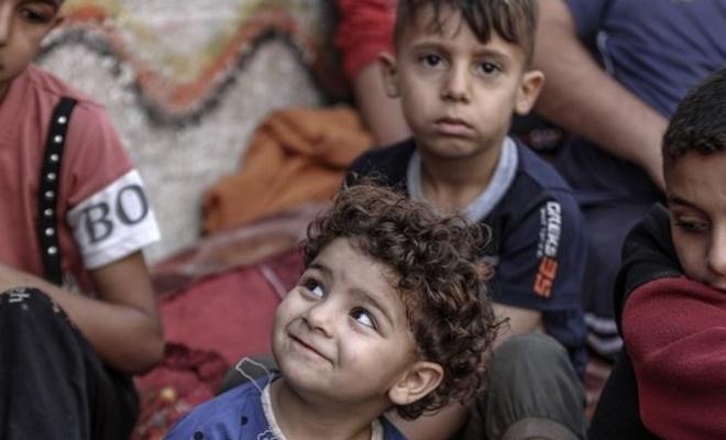 Gazze'de El Deyri ailesi de evsiz kaldı