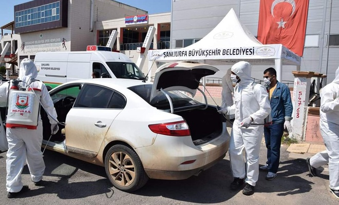 Viranşehir'de araç dezenfekte istasyonu kuruldu