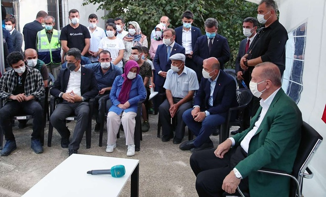 Cumhurbaşkanı Erdoğan, selde kaybolan Yılmaz ve Akkuyu'nun ailelerini ziyaret etti