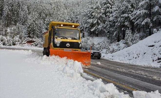 339 köy yolu ulaşıma kapandı