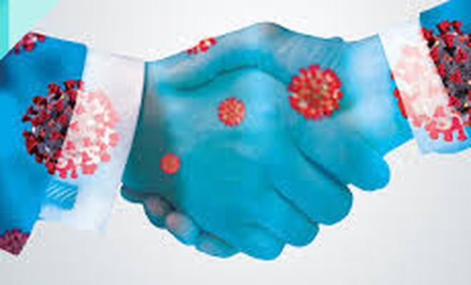 """Kaliforniya Üniversitesinden """"Virüs dokunulan yüzeylerden bulaşmıyor"""" iddiası"""