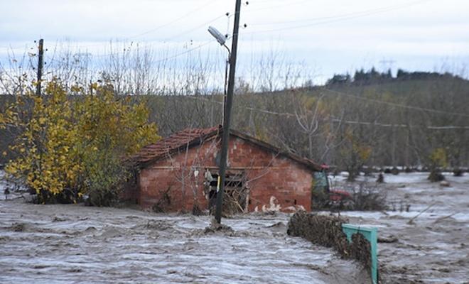 Yağışlar nedeniyle okullar 2 gün tatil edildi