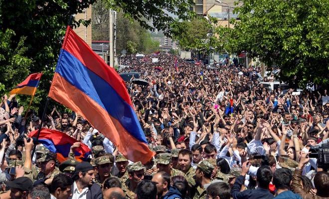 Ermenistan'da Başbakan Paşinyan karşıtı gösteriler devam ediyor
